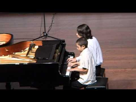 תלמידי הקונסרבטוריון - קונצרט ב-60 אצבעות - Eight hands piano